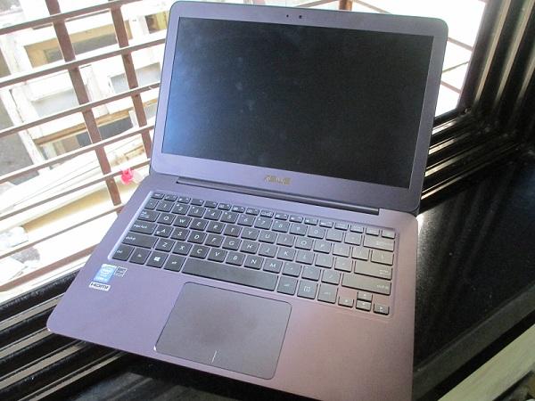 ASUS UX305FA